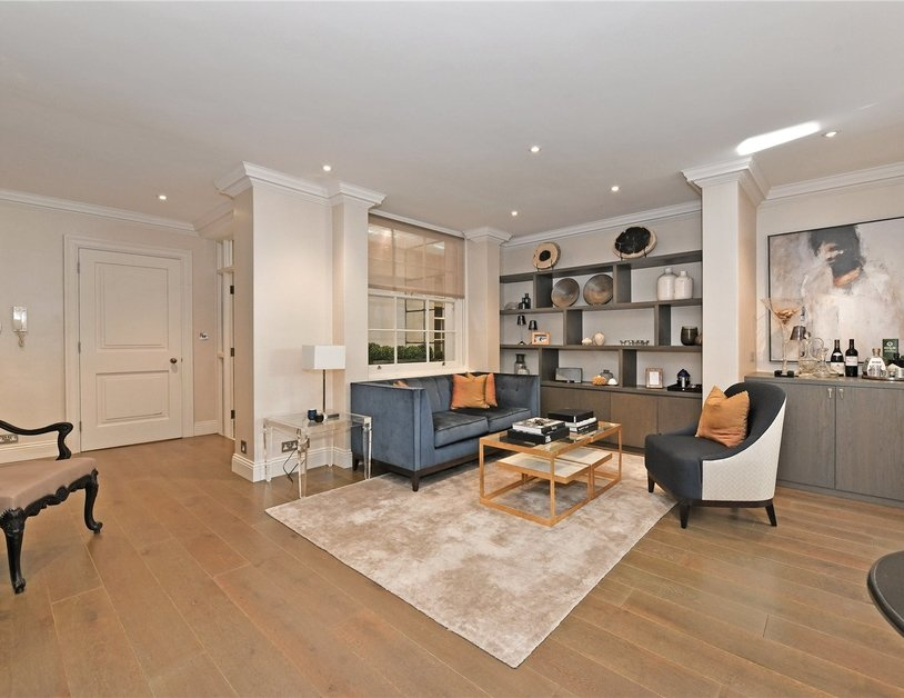 Apartment sold subject to contract in Stanhope Place view10