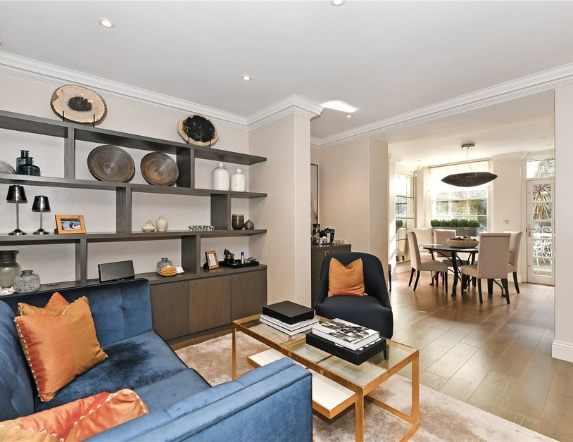 Apartment sold subject to contract in Stanhope Place view3