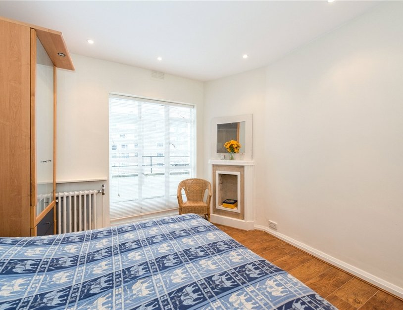 Apartment sold in Sussex Gardens view4-thumb