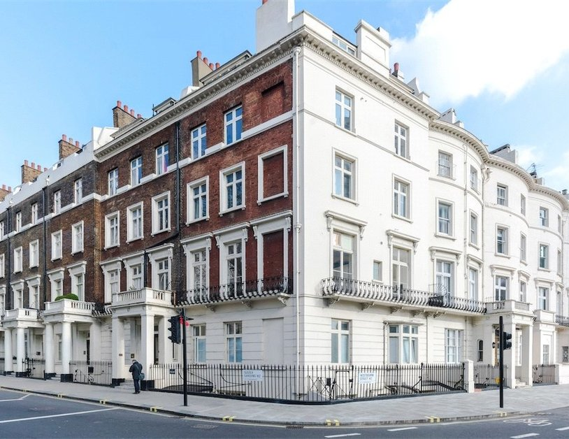 Apartment sold subject to contract in Sussex Gardens view1