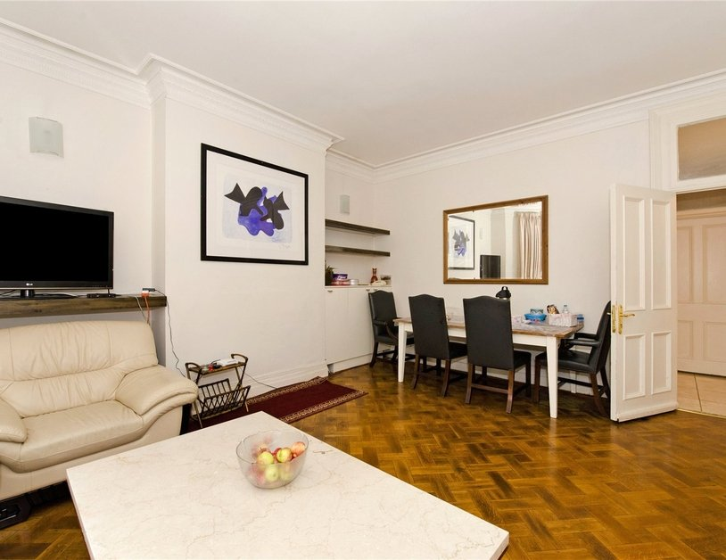 Apartment for sale in Transept Street view4