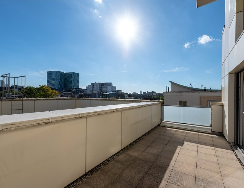 Apartment sold subject to contract in Trematon Building view6