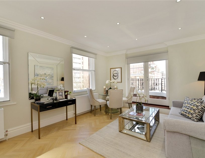 Apartment for sale in Upper Berkeley Street view1