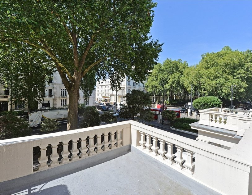 Apartment sold in Westbourne Terrace view3