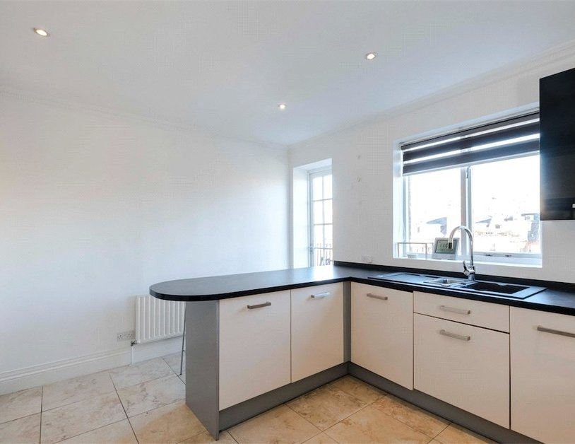 Apartment to rent in Beaufort Gardens view5