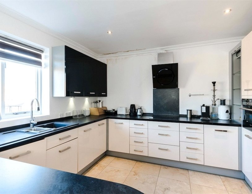 Apartment to rent in Beaufort Gardens view3