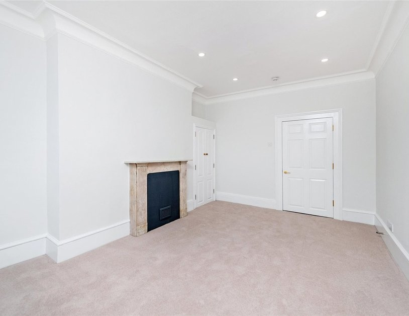 Apartment to rent in Bulstrode Street view7