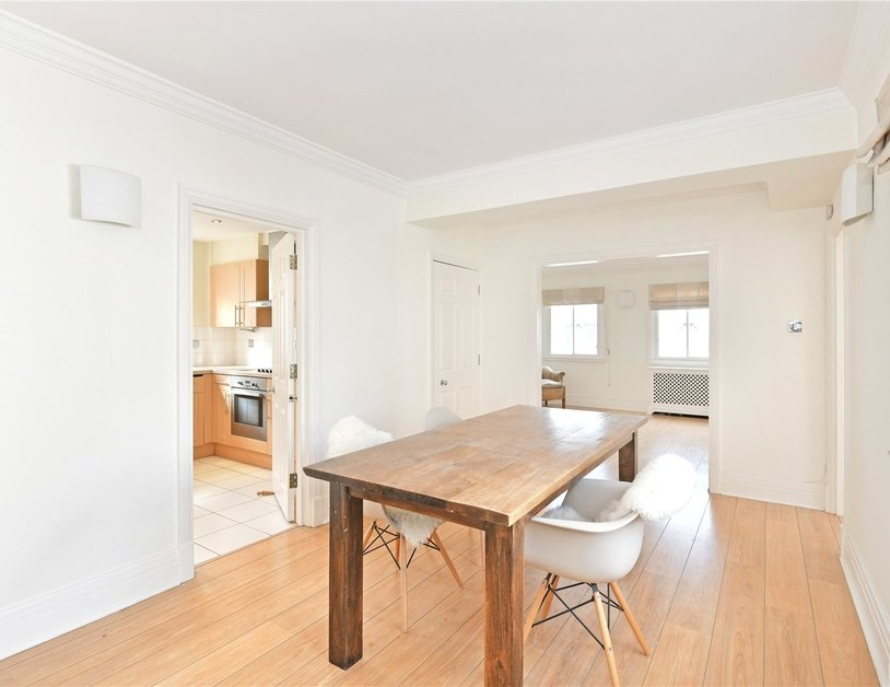 Apartment to rent in Chiltern Court view4