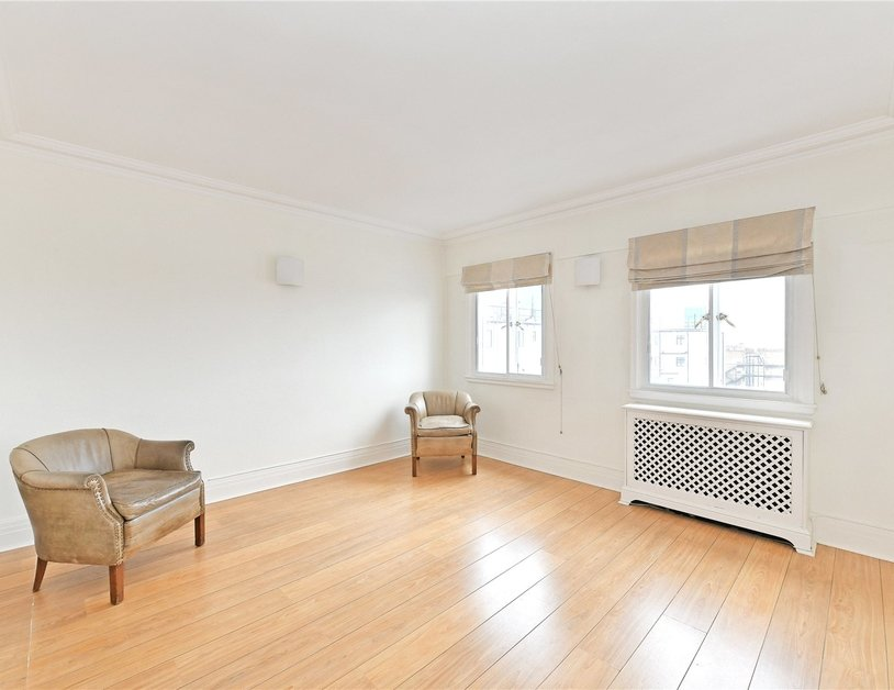 Apartment to rent in Chiltern Court view1