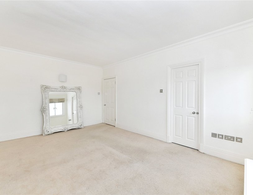 Apartment to rent in Chiltern Court view14