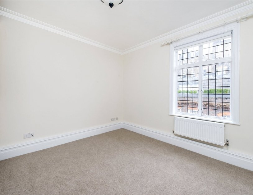 Apartment to rent in Devonshire Close view5