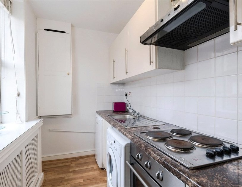Studio Flat to rent in Devonshire Street view9-thumb