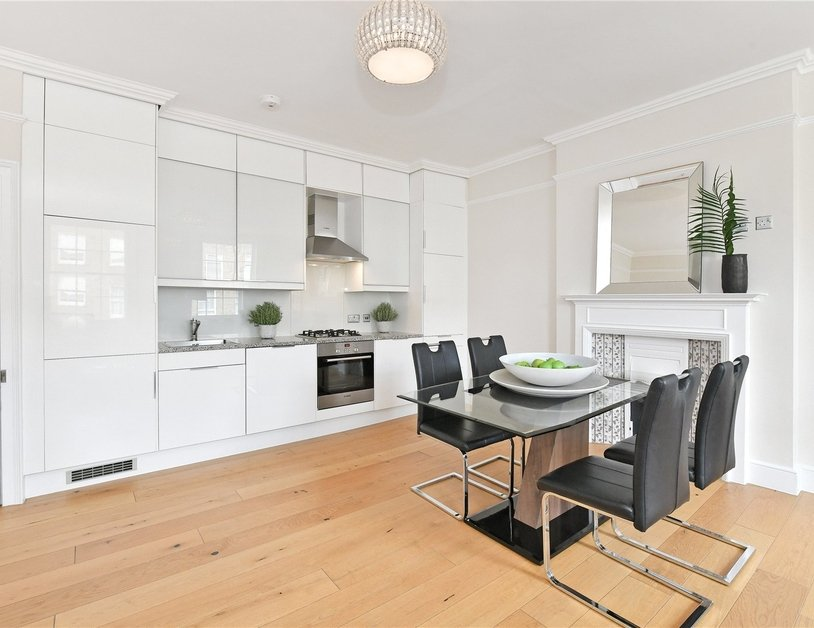 Apartment to rent in Gloucester Place view5