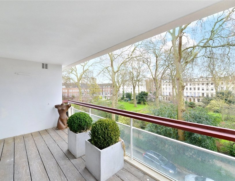 Apartment to rent in Gloucester Square view4