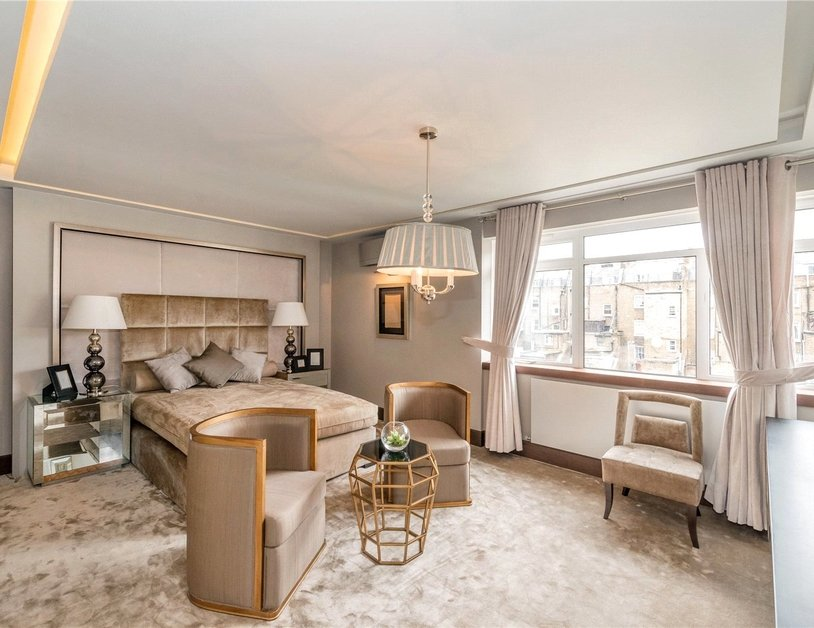 Apartment to rent in Gloucester Square view5