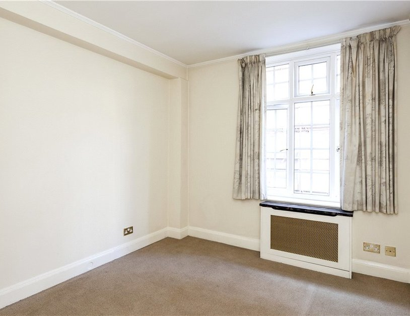 Apartment to rent in Hallam Street view8