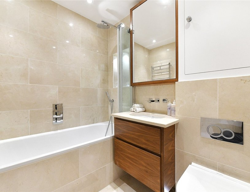 Apartment to rent in Kensington Gardens Square view3