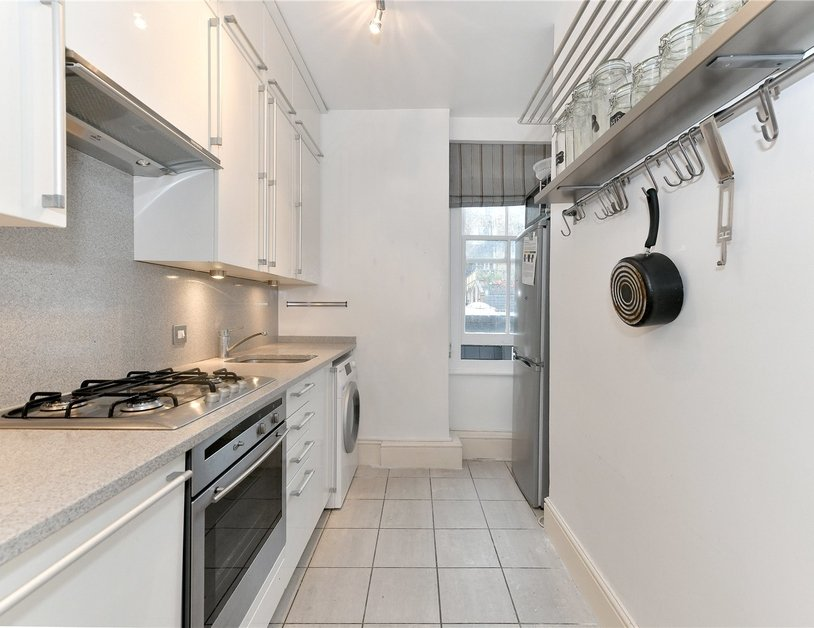 Apartment to rent in Luxborough Street view3