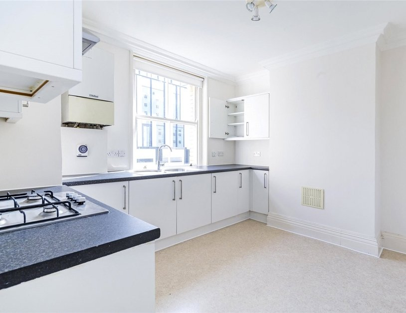 Apartment to rent in Marylebone Lane view5