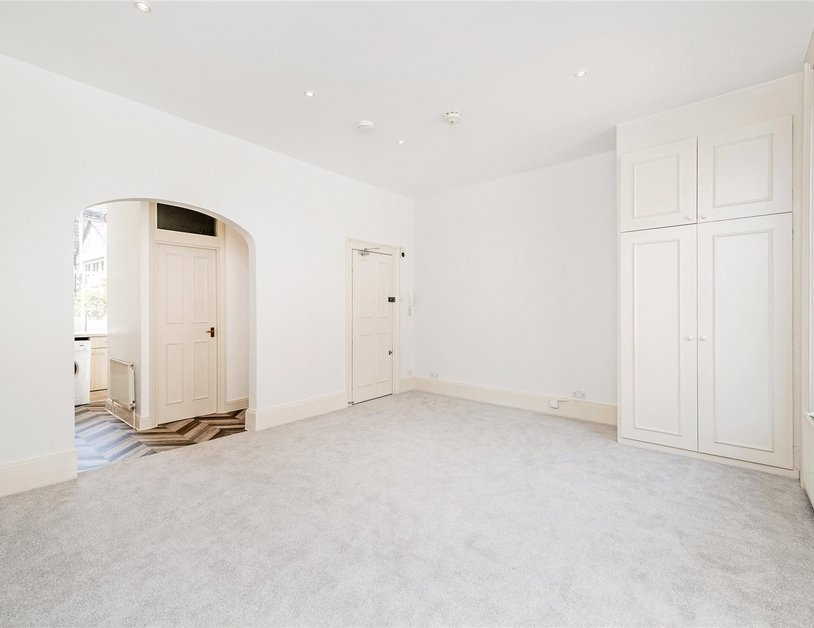 Apartment to rent in Nottingham Street view7