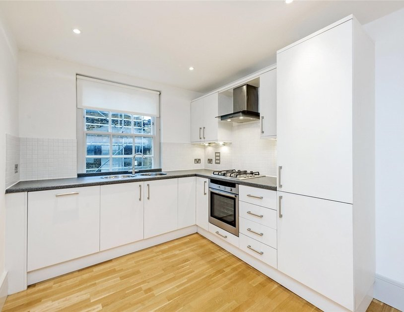 Apartment to rent in Ossington Buildings view7