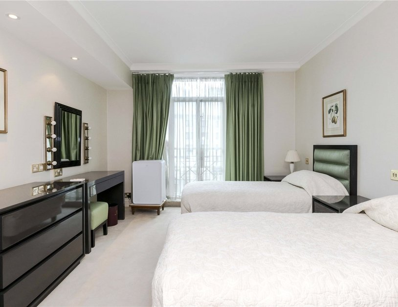 Apartment to rent in Park Lane view7