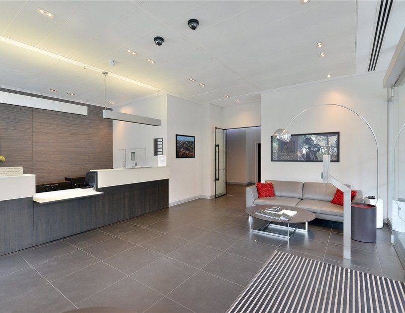 Apartment to rent in Porchester Place view1