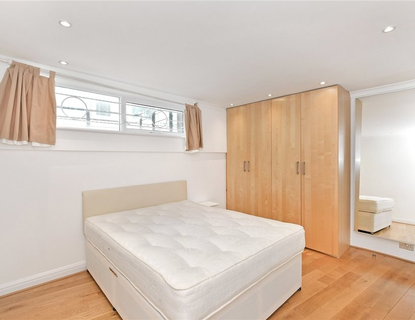 House to rent in Romney Mews view13