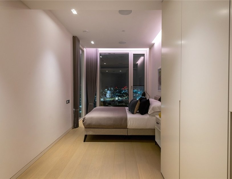 Apartment to rent in Southbank Tower view9