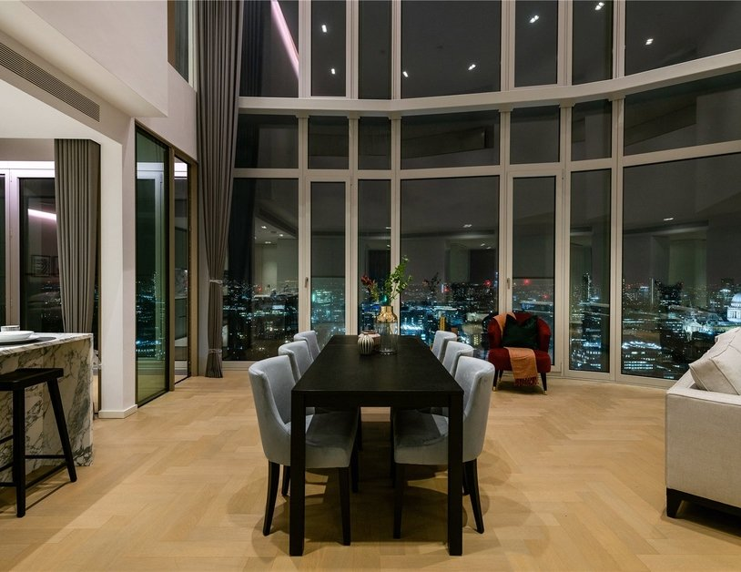 Apartment to rent in Southbank Tower view1
