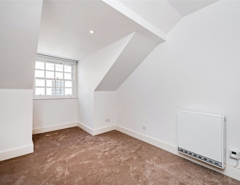 Duplex to rent in Weymouth Mews view11