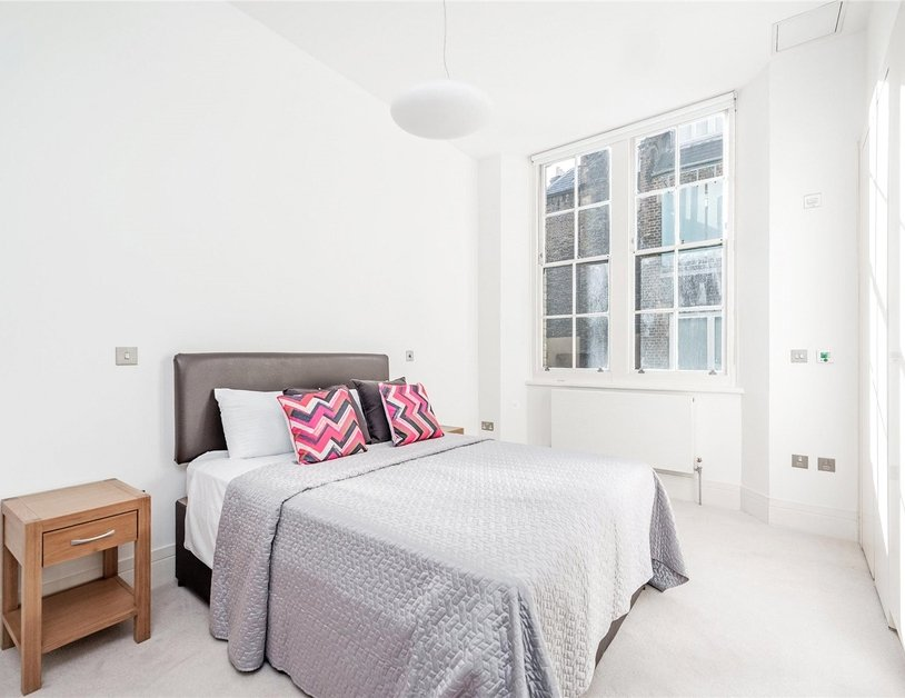 Apartment to rent in Wimpole Street view9